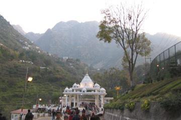 Himachal With Vaishno Devi Darshan By Volvo