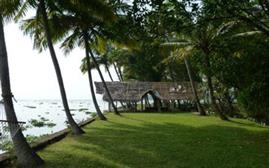 Kerala Deluxe Holiday Package