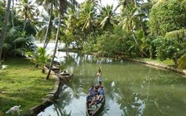 Kerala Standard Holiday Package (5N/6D)